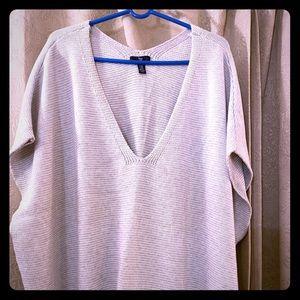 Gap short sleeve pullover